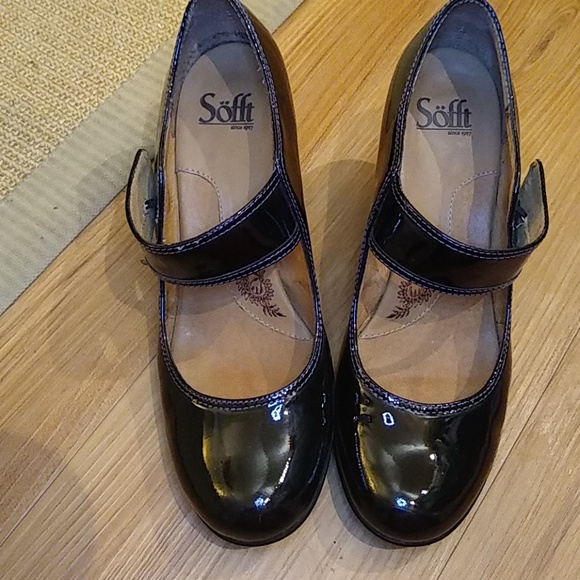 c474e9b365b2cb Sofft Womens Black Patent Leather Mary Janes. M 5bbfc068d6dc520c415f50cd